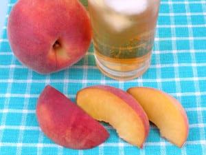 7-peach-drink-TS-93585025