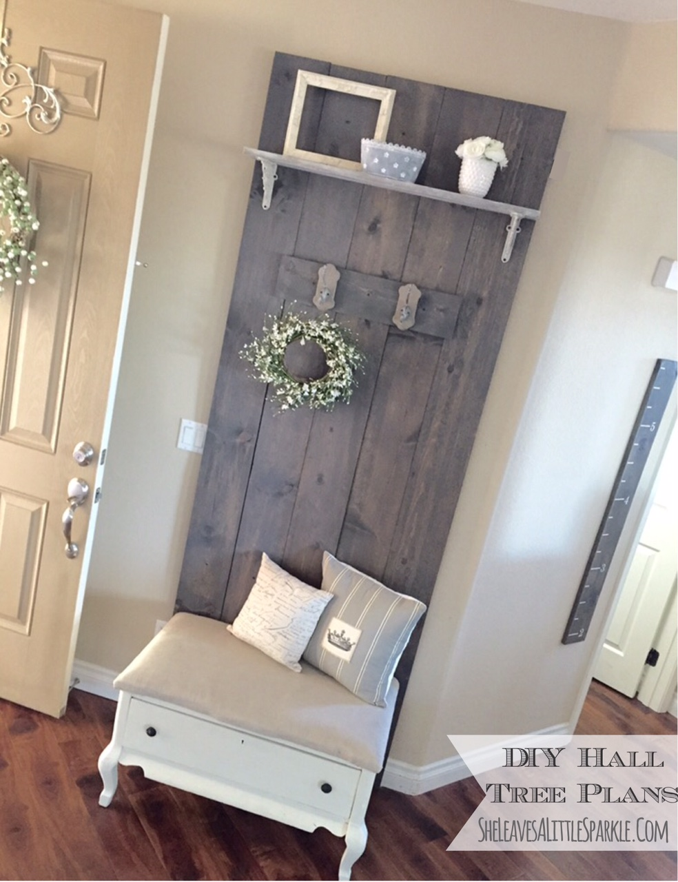 Easy diy hall tree plans sheleavesalittlesparkle for Easy entry cart plans