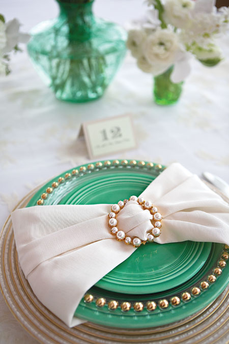 bow napkins that impress
