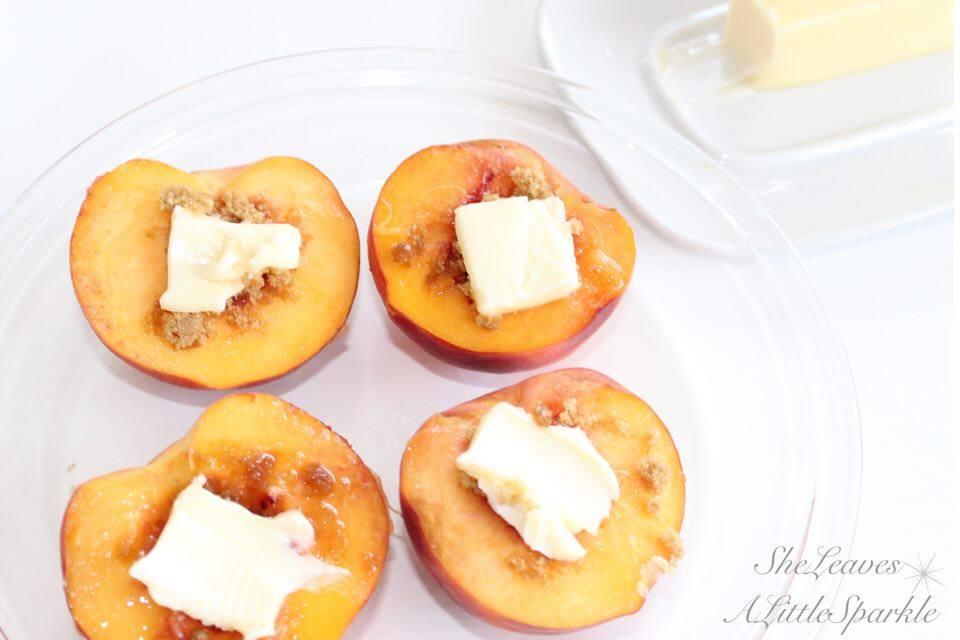 cinnamon baked peaches
