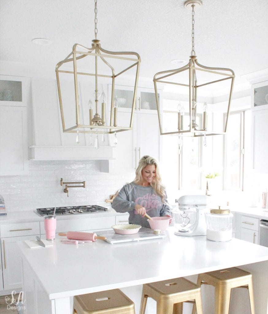 loveliest looks of fall tour 2018 summer adams, wildfox couture diet coke sweatshirt, fall baking fall desserts, white kitchen, pink kitchen accessories