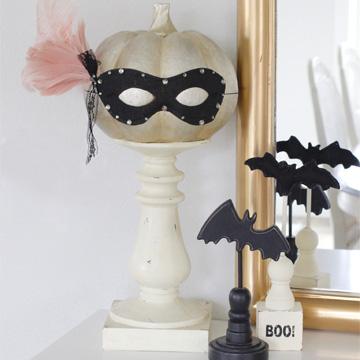 10-Minute Glam Halloween Masquerade Mask