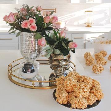 Yummiest & Easiest Caramel Popcorn Balls
