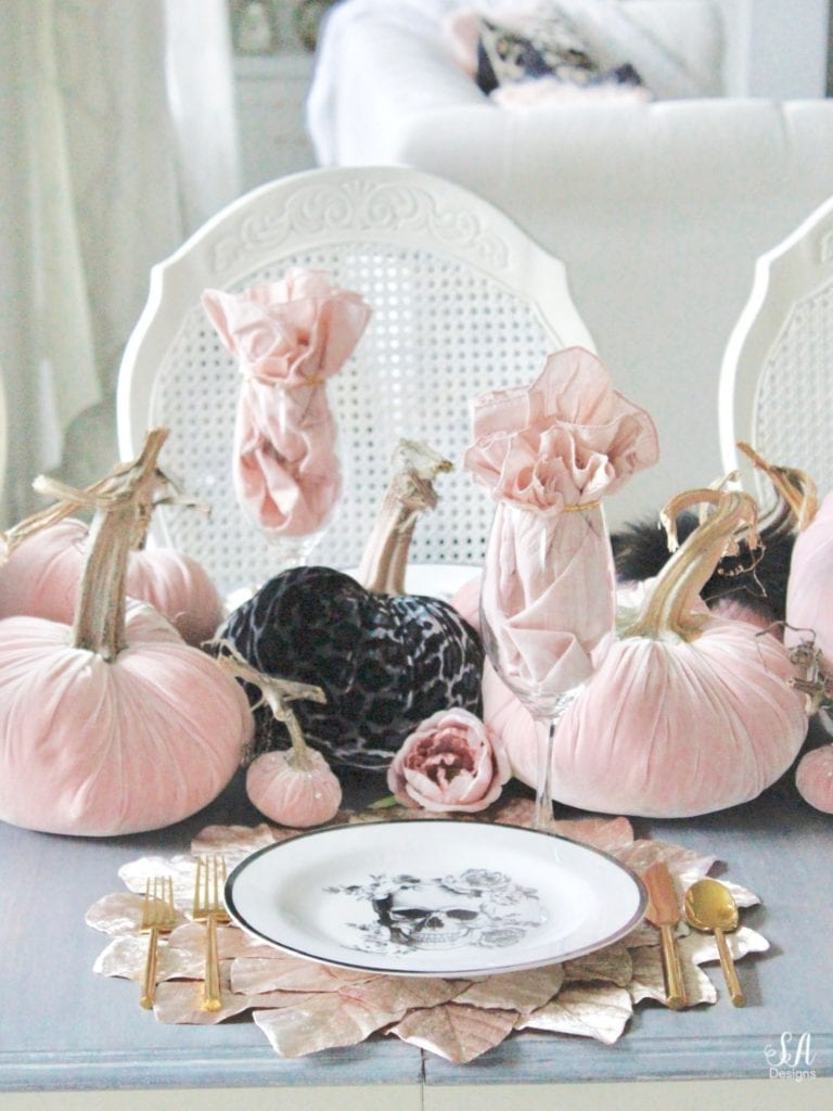 hotskwash velvet pumpkins, pink fall decor, blush fall decor, decorating with pumpkins, glam Halloween tablescape, elegant halloween decor, white halloween kitchen with pink and black, pink halloween