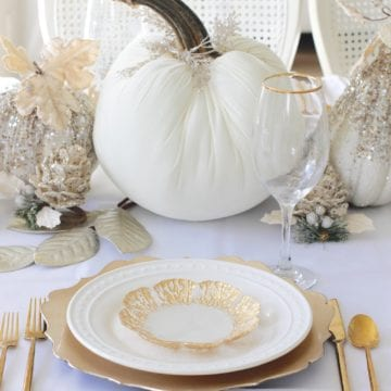 Elegant Thanksgiving Table In White & Gold