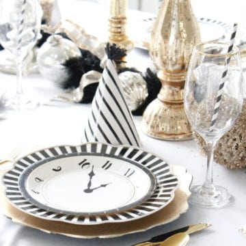New Years Eve Tablescape + Fun Game Ideas
