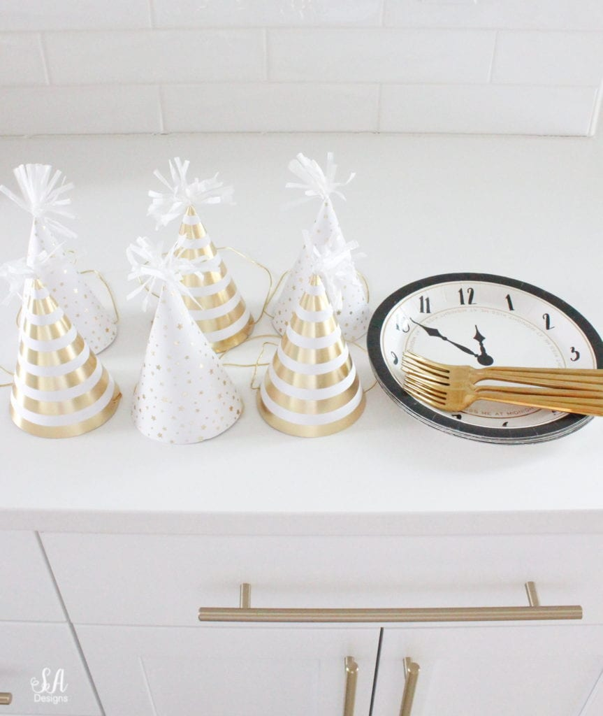 kids new years eve ideas, new years eve for kids, new years eve kids place setting table
