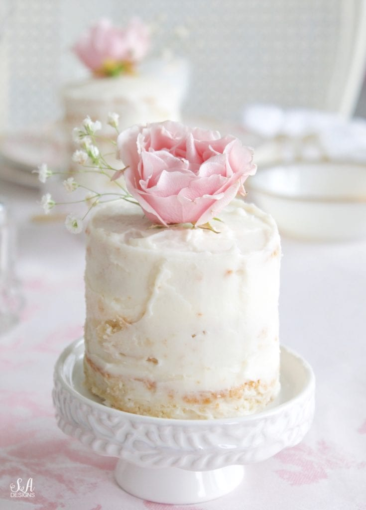 individual mini naked cake on individual cupcake stand