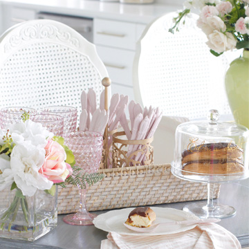 How To Create A Pâtisserie Gift Basket For Mom This Mothers' Day
