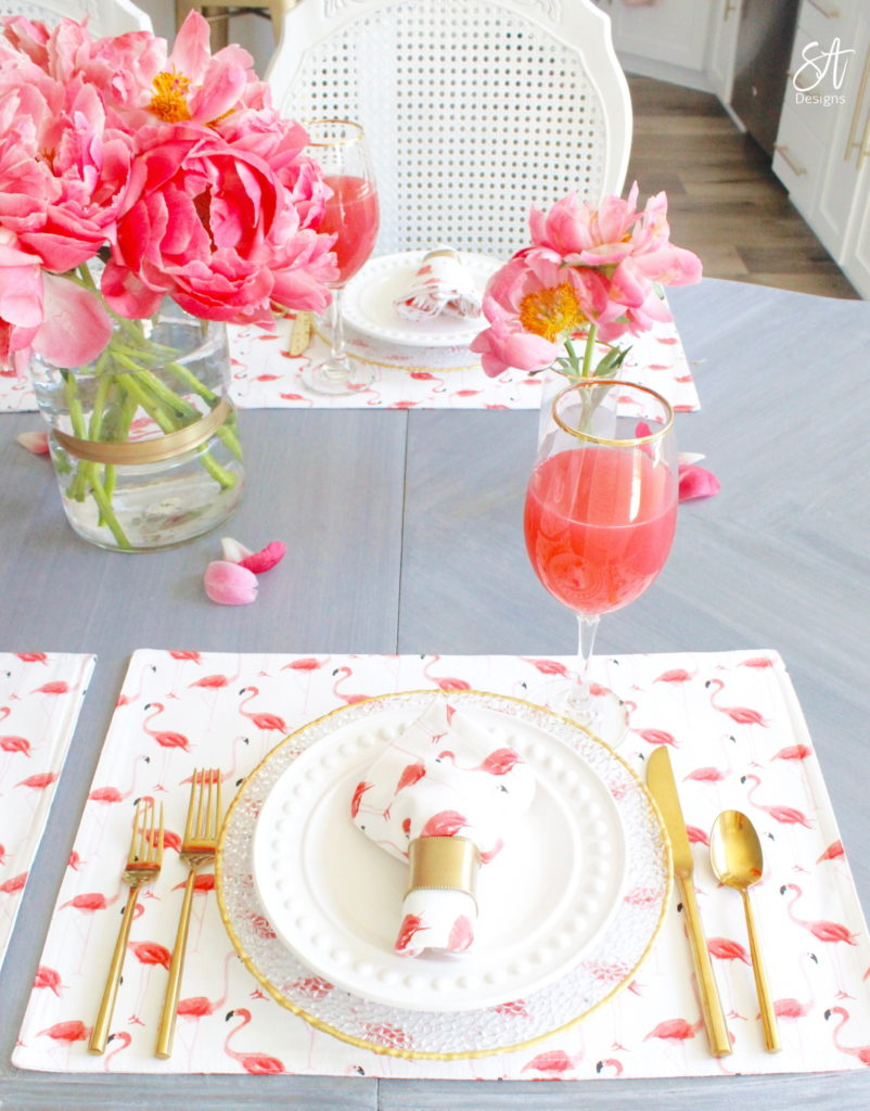 Kate spade strut your stuff flamingo placemats and dinner napkins table runners placemats, summer tablescapes, summer table settings, summer table, summer place setting