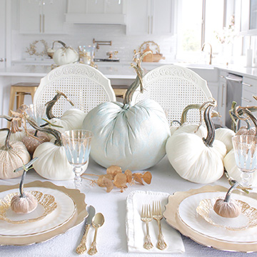 Elegant Fall Table In Gold, Ivory & Soft Aqua