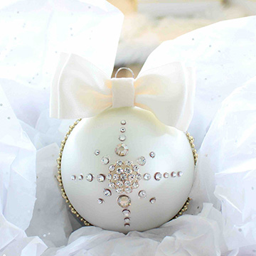 DIY Glam Rhinestone Bow Ornaments
