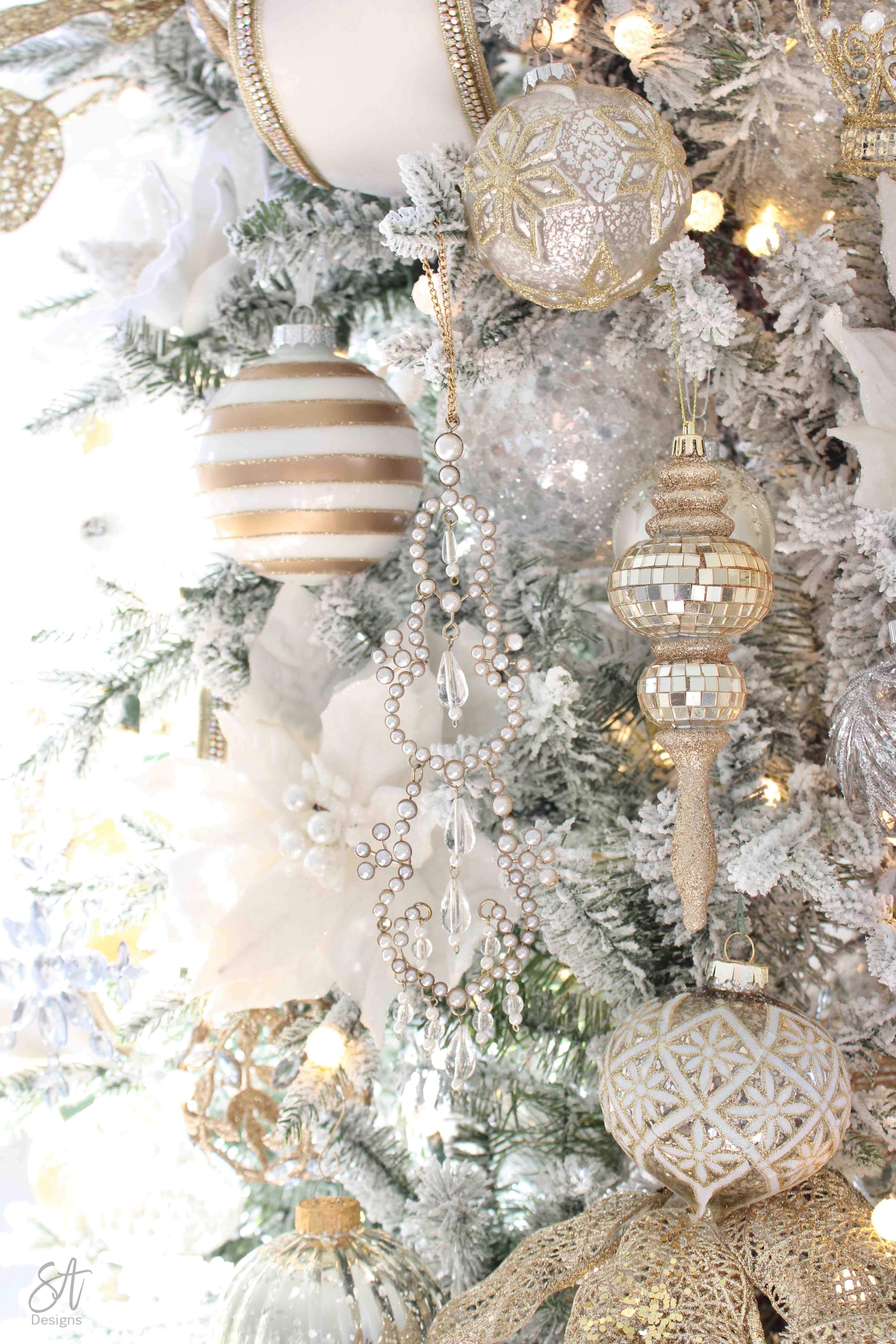 Glam White & Gold Living Room Christmas Tree & Mantel16 ... - photo#33